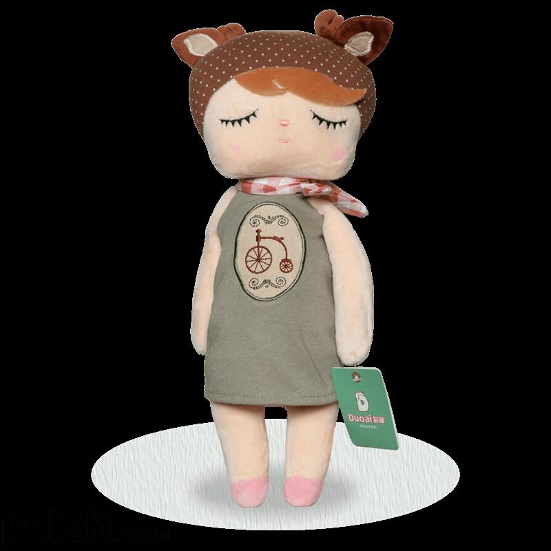 عروسک دختری با چشمان بسته